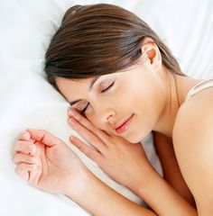 How Better Sleep Can Help Women Lose Weight Health And Beauty, Health And Wellness, Health Fitness, Health Advice, Types Of Migraines, Beauty Products That Work, Sedation Dentistry, Diets For Women, Sugar Cravings