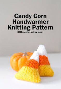 This adorable candy corn handwarmer knitting pattern makes the most adorable hand sized candy corn that you can fill with rice, heat and tuck in your pockets to keep you toasty warm this Halloween! Easy Knitting Patterns, Knitting Projects, Crochet Patterns, Poncho Patterns, Knitting Ideas, Sewing Patterns, Halloween Crafts, Fall Crafts, Halloween Ideas
