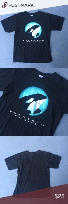 Black sea world tee Black sea world tee Whale on the front Excellent condition  No stains no holes  Minor cracking on logo Fits perfect to size  Willing to negotiate offer  Come check out the rest of my closet   Vintage vtg retro 90s Shirts Tees - Short Sleeve