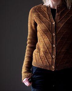 Winterfell Cardigan Aran Ravelry: Winterfell Cardigan Aran pattern by Katrin Schneider mama style<br> The Winterfell Cardigan Aran is the big sister of the Winterfell Cardigan (Sport weight) and is designed for the amazing yarn La Bien Aimée Merino Aran! Cardigan Au Crochet, Sweater Knitting Patterns, Knit Patterns, Knit Crochet, Sewing Patterns, Knit Cardigan Pattern, Vogue Knitting, Loom Knitting, Mode Inspiration