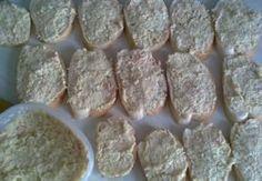 Výborná chlebíčková pomazánka Sausage, Meat, Ethnic Recipes, Food, Eten, Sausages, Meals, Diet