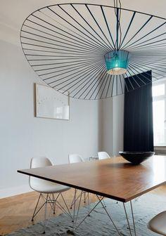 """Résultat de recherche d'images pour """"suspension vertigo au dessus d une table de repas"""""""