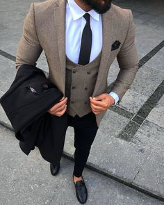 Mens accessories fashion – Best suits for men – Suit fashion – Suit… Blazer Outfits Men, Mens Fashion Blazer, Mens Fashion Wear, Stylish Mens Outfits, Suit Fashion, Classy Fashion, Fashion Fall, Style Fashion, Winter Outfits