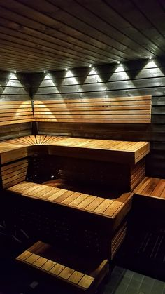 Saas saunavalaisimilla toteutettu saunan valaisu Saunas, Sauna Lights, Spa Sauna, Finnish Sauna, Spa Rooms, Lighting Store, Jacuzzi, Home Projects, Home And Living