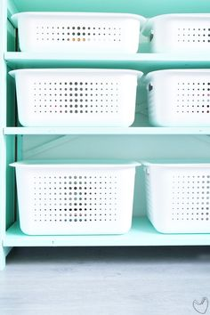 White SmartStore Baskets with plastic lids