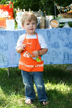Construction Birthday Party- U can get the kids construction apron from Home Depo! Cool!!!