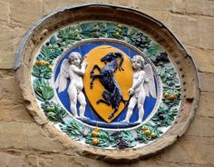 Orsanmichele: medaglione in terracotta smaltata di Luca Della Robbia - Firenze