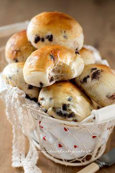 Pangoccioli - nadýchané buchtičky s kúskami čokolády | Recept