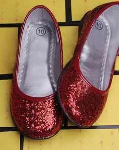 Activities  DIY Glitter Shoes-will need these for Halloween this year!  Silver Glitter c61eb072e1