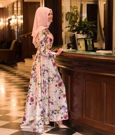 """1353e5b97ff80 GİZEM KUŞÇUOĞLU/Designer on Instagram: """"Çok şık bir görsel daha ☺ ☺ Prenses  abiyemizin pudrası tüm satış noktalarımızda ve @modanisa da☺ 🤗🤗…"""""""