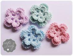 Decoratieve Gehaakte dubbele bloem met ronde blaadjes | GEHAAKTE BLOEMEN | Just so Lovely