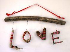 Colgante amor Driftwood signo hecho por por PeaceLoveDriftwood, $32.00