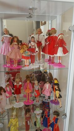 Barbies, skipper.. Tutti. Et vêtements: 1959/1963/1970