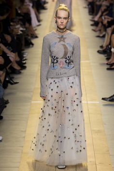 Christian Dior Spring 2017 Ready-to-Wear Fashion Show - Harleth Kuusik (Elite)