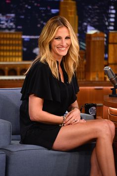 Great hair colour — Julia Roberts.   I love her!!