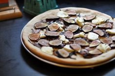 fig + goat cheese pizza