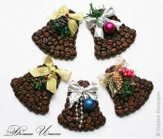 DIY coffee bean magnets: 13 t .- do-it-yourself magnets from coffee beans: 13 thousand images found in Yandex. Coffee Bean Candle, Coffee Bean Art, Coffee Plant, Coffee Gif, Coffee Barista, Drink Coffee, Diy And Crafts, Christmas Crafts, Crafts For Kids