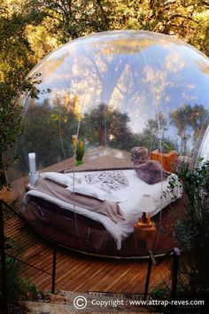 Architecture with the 5 Bubble Hotel Rooms. By Attrap'Rêves. Luxury Tree Houses, Bubble House, Cool Tents, Teen Bedding, Container House Design, Dream Decor, Cool Rooms, Room Themes, Luxury Interior