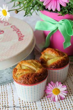 pensieri e pasticci: Muffins di farro alla pera profumati alle spezie e fiori