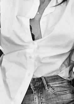 In my white shirt Chemise Fashion, Classic White Shirt, White Shirts, Piece Of Clothing, Minimalist Fashion, Minimalist Style, Shirt Shop, Daily Fashion, Elegant