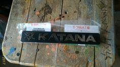 emblem katana -ori sgp -harga satuan -ukuran 20cm x 3cm,082210151782