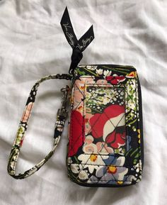 Vera Bradley Floral Quilted Zip Around Key Chain Wristlet ID Case Wallet 5.25x3 #VeraBradley #ziparoundwallet