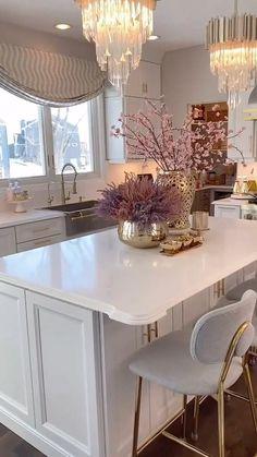 Elegant Kitchens, Beautiful Kitchens, Living Room Designs India, White Kitchen Cabinets, Kitchen Island, Simple Kitchen Design, Table Decor Living Room, Home Room Design, Cuisines Design