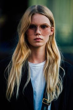 Seventies-style loose waves feel just right for autumn. Use tongs, or tie hair into a loose ballerina bun for an hour to create a natural tousled effect.