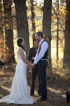 Allison & Will: Wedding at the Rum River Barn » mackenzie orth  I love that she is holding the vintage hankie!