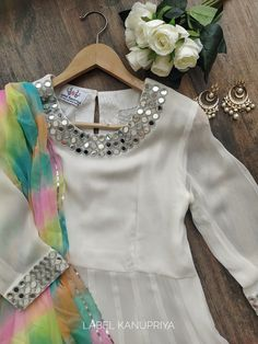 Pakistani Fashion Party Wear, Pakistani Dresses Casual, Pakistani Dress Design, Stylish Dresses For Girls, Stylish Dress Designs, Designs For Dresses, Designer Party Wear Dresses, Kurti Designs Party Wear, Indian Designer Suits