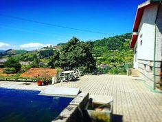 Laver son linge à l'ancienne #Portugal #santamarinhadozêzere #soleil #authentique #Douro #famille by leticia_venancio