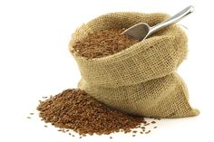 Top 7 Health Benefits of Including Flax Seeds in Your Daily Diet Flax Seed Benefits, Beans Image, Brittle Hair, Prevent Hair Loss, Smooth Hair, Health Tips, Health Benefits, Health Facts, Hair Oil