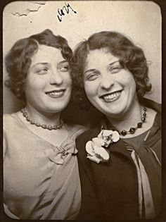 +~ Vintage Photo Booth Picture ~+  Twins!