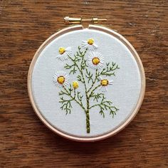 Mayweed Another for @cocktailselectshop #embroidery #embroideryartist #embroideryart #embroideryhoop #handembroidery #handmade #handstitched #botanical #nature #wildlife #wildflowers #em_hm #leeds #mayweed