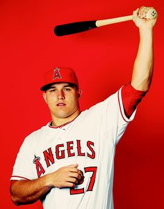 Mike Trout ♥ Famous Baseball Players, Best Baseball Player, Major League Baseball Teams, Mlb Teams, Sports Teams, Oregon Ducks Football, Ohio State Football, American Football, College Football