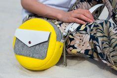 Yellow Gray White Wool Felt Genuine Leather Round Bag | Etsy Diy Handbag, Diy Purse, Leather Bags Handmade, Handmade Bags, Diy Wallet, Round Bag, Fabric Bags, Small Bags, Wool Felt