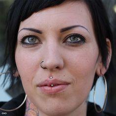 ideas piercing facial posts for 2019 Helix Cartilage Earrings, Philtrum Piercing, Face Piercings, Medusa Piercing, Smiley Piercing, Piercing Tattoo, Nose Stud, Body Mods, Philtrum