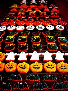 HALLOWEEN  discovered by o on We Heart It