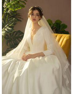 White Satin Deep V-neck Long Sleeve Wedding Dress With Train Glamorous Deep V Floral Wedding Dresses Casual Wedding Guest Dresses, Long Wedding Dresses, Long Sleeve Wedding, Bridal Dresses, Wedding Gowns, Wedding Girl, Traditional Wedding Dresses, Modest Wedding, Mermaid Wedding