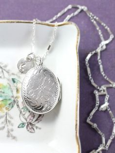 Small Oval Sterling Silver Locket Necklace Vintage by TforEdgar
