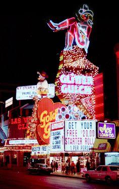 Glitter Gulch, Las Vegas, March 1988 Photo by Urs L. Vintage Neon Signs, Vw Vintage, Arcade, Vegas Lights, Old Signs, Vegas Strip, Las Vegas Nevada, Sin City, Retro Aesthetic
