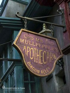 The Wizarding World of Harry Potter Mr. Mullpepper's Apothecary Sign from the Wizarding World of HPMr. Mullpepper's Apothecary Sign from the Wizarding World of HP Halloween Table, Halloween Crafts, Halloween Decorations, Halloween Signs, Outdoor Halloween, Halloween Stuff, Holidays Halloween, Halloween Ideas, Harry Potter Decor