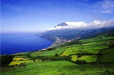 The Portuguese archipelago of the Azores is in the middle of the Atlantic Ocean, about 1,500 km from Lisbon and 3,900 km from the east coast of North America. This is the island of Pico. Photo © ATA - Associação Turismo Azores