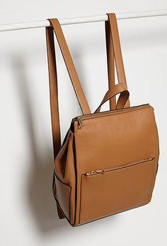 Un accesorio que debe ser infaltable en el armario de una mujer, la mochila, sin importar el material !!Mochila Efecto Cuero | Forever 21 Mexico
