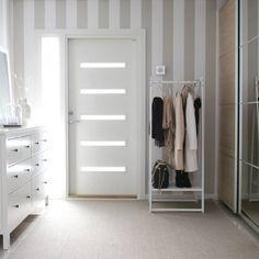 Hallway with a coat rackLissin meidn eteiseen valkoisen vaaterekin johonhellip