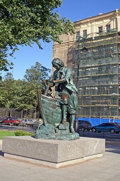 A statue of Peter I working incognito at a Dutch wharf