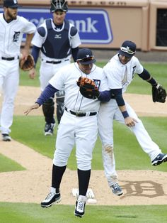 Miguel Cabrera and Andrew Romine celebrate, Home Opener, 04/08/2016