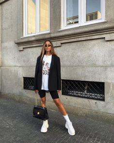 """9,679 mentions J'aime, 127 commentaires - SOFIA C.⚡️ (@sofiamcoelho) sur Instagram : """"Sunday attire"""""""