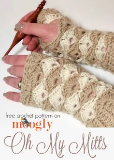 Oh My Mitts: free crochet pattern on Mooglyblog.com! There's a matching hat and cowl too! (all free crochet patterns!) *** #crochet pattern #diy #crafts #gifts #gift idea #handmade #matching set #fashion #tutorial #moogly