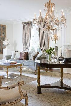 Ebanista Furniture. Graceful Grandeur.